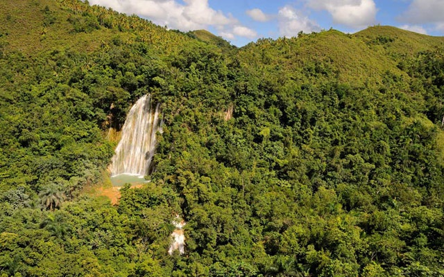 Best Price Tours in Samana to Waterfall Salto El Limon.