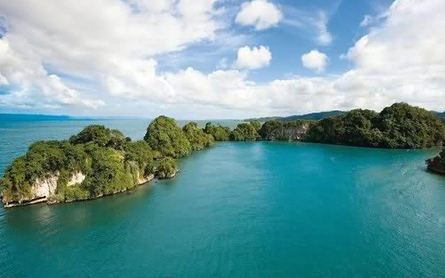 Boat Tours to Los Haitises National Park from Samana.